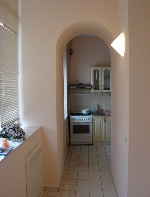 exit from the kitchen, rent apartment in Kiev